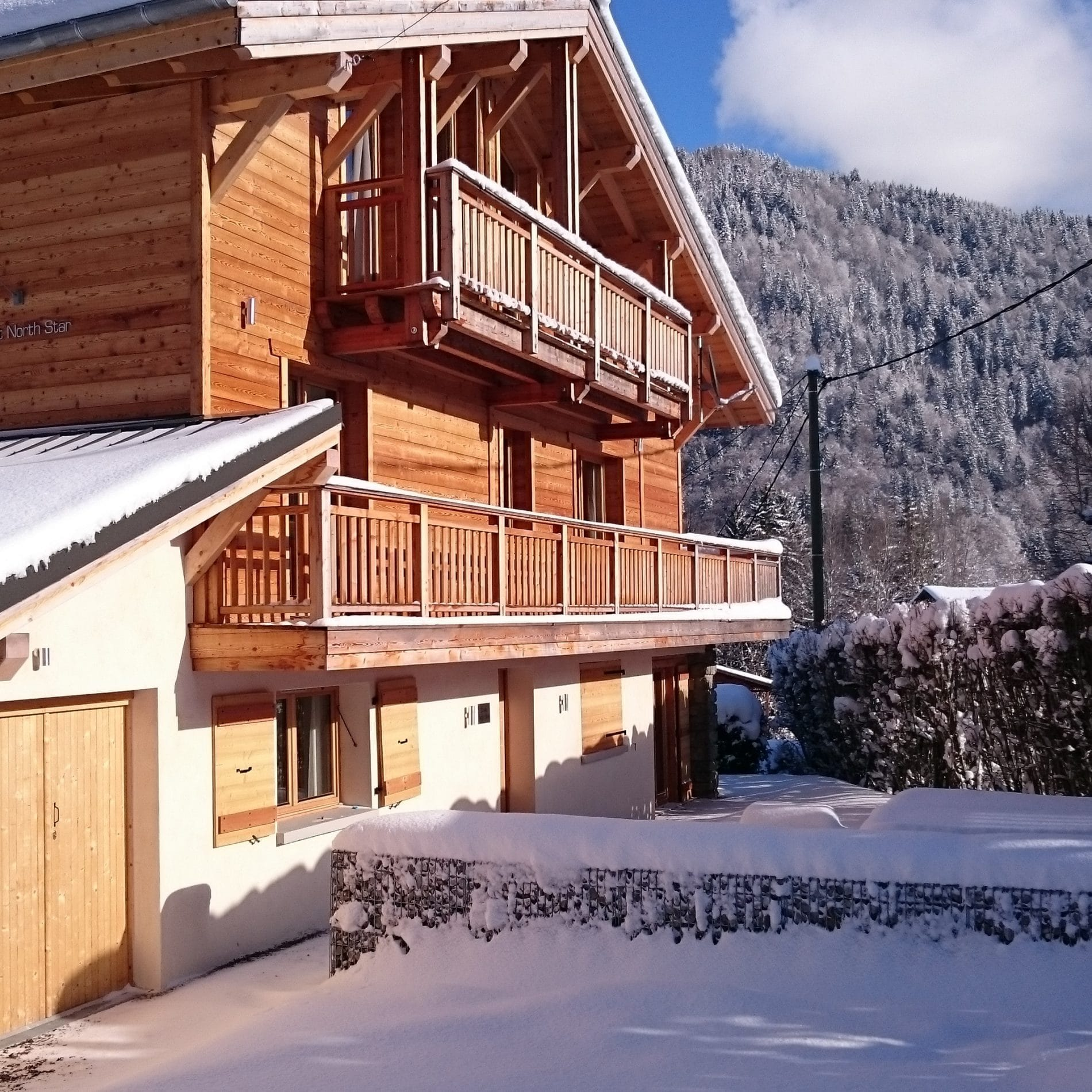 fd8758dacb We have handpicked the most stylish and luxurious chalets and apartments in  central Morzine to offer as holiday rentals.
