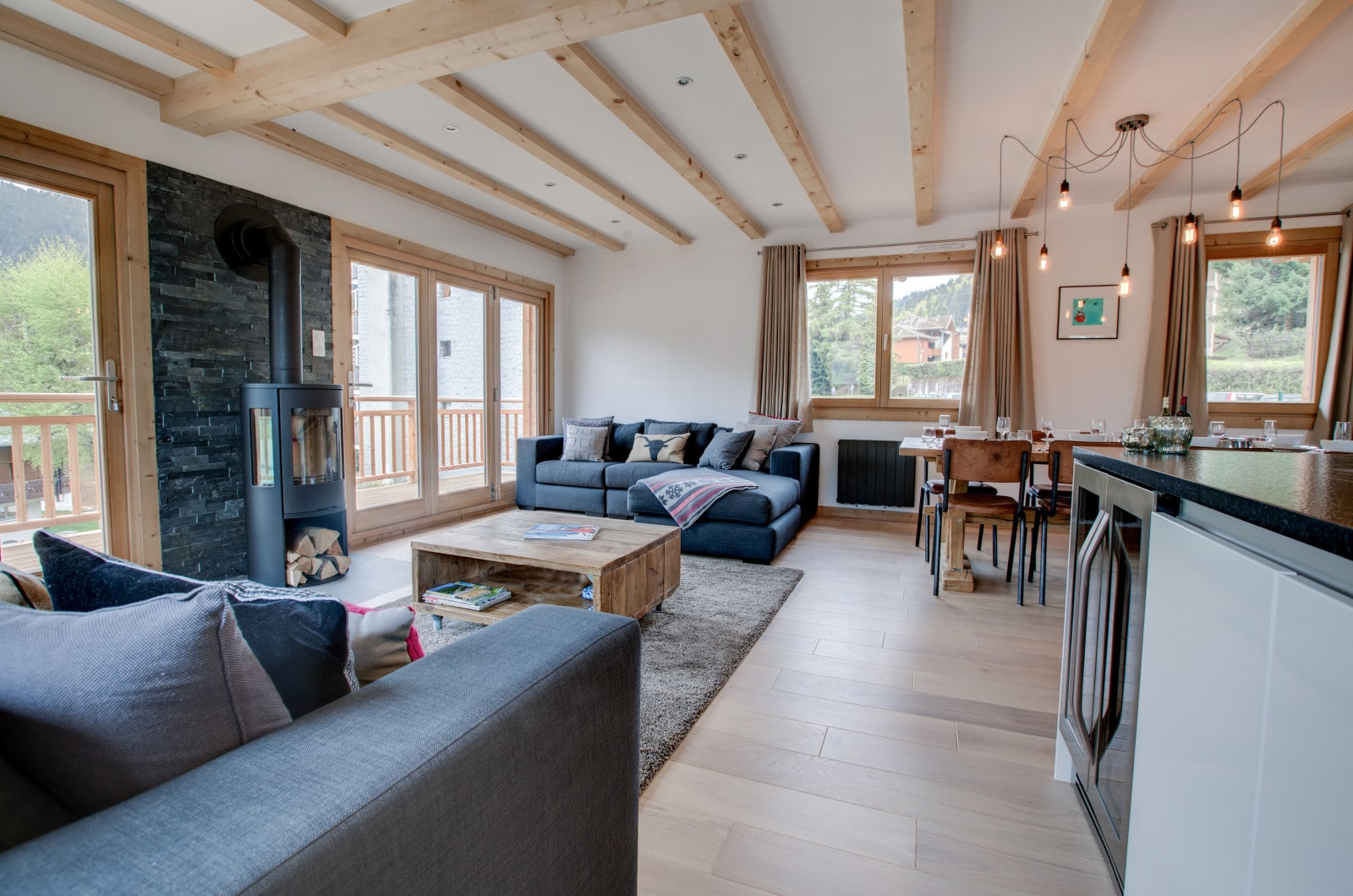 chalet north starl living area