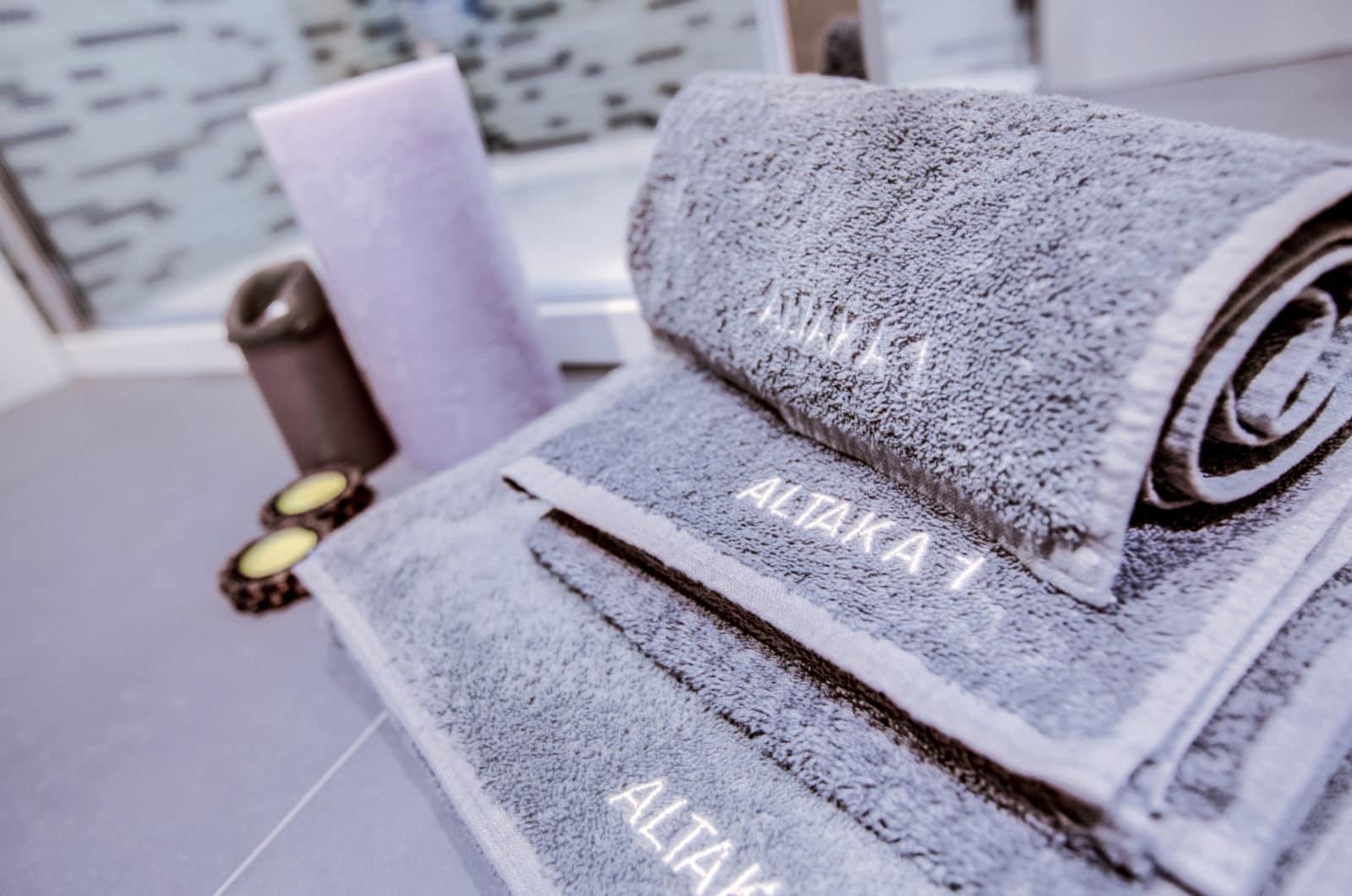 Altaka 1 Bathroom