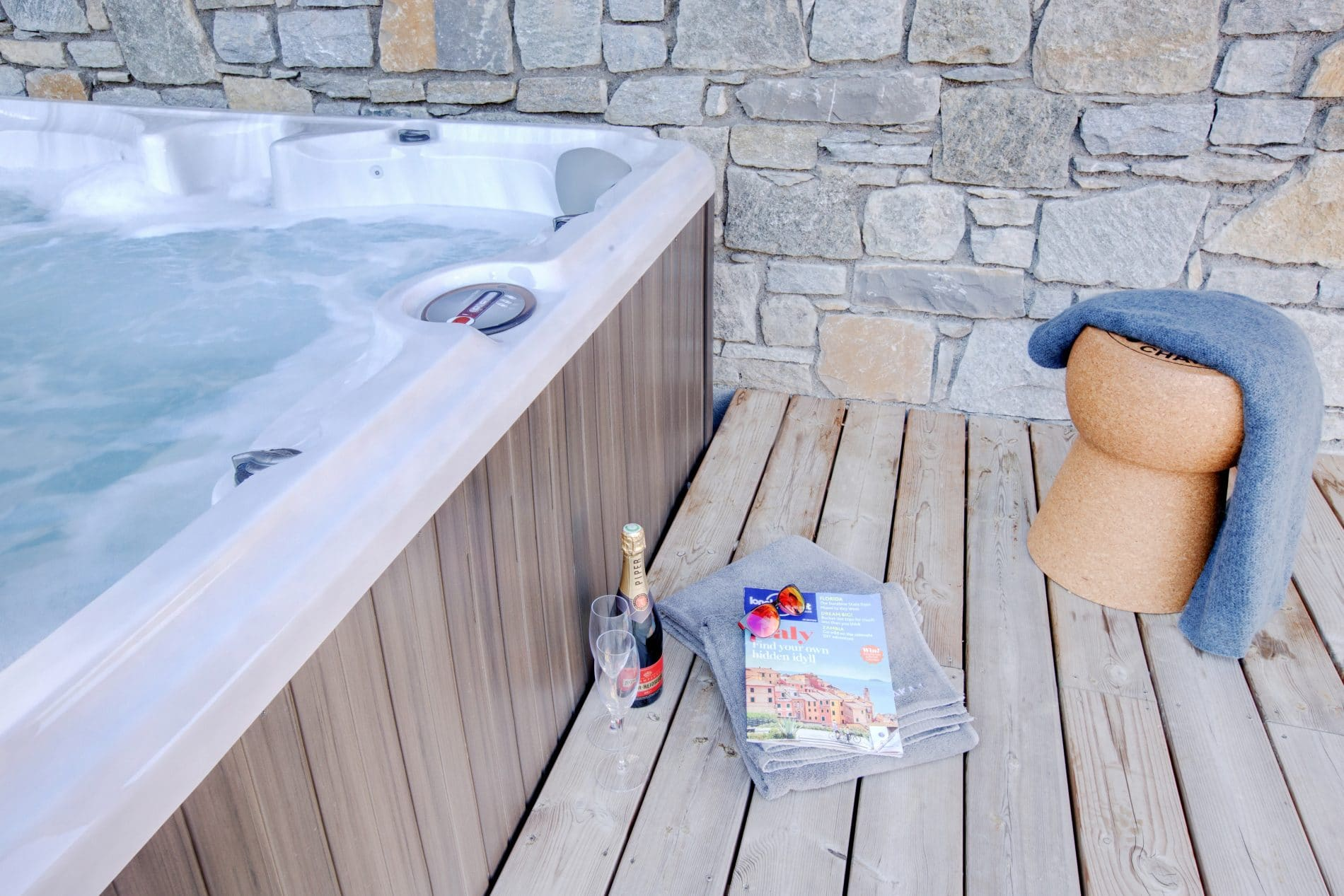 Self Catered Chalets with Hot Tubs in Morzine - Elevation Alps