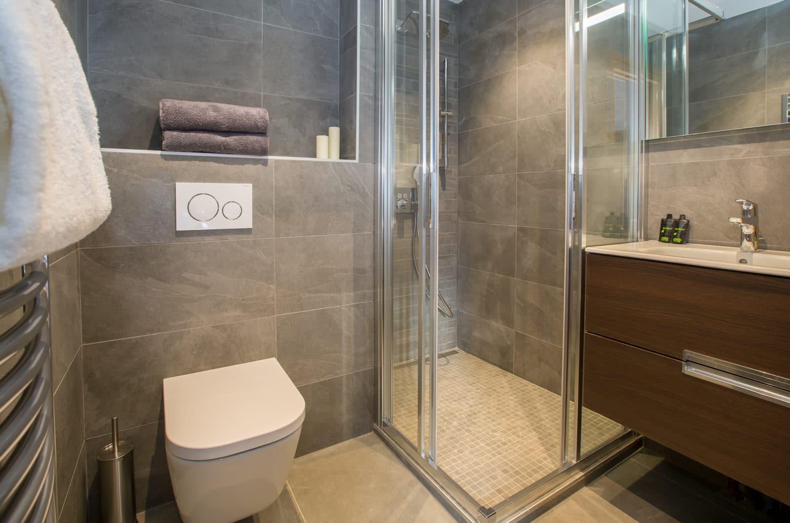 Chalet Joux Plane, Chalet Joli Bathroom 1