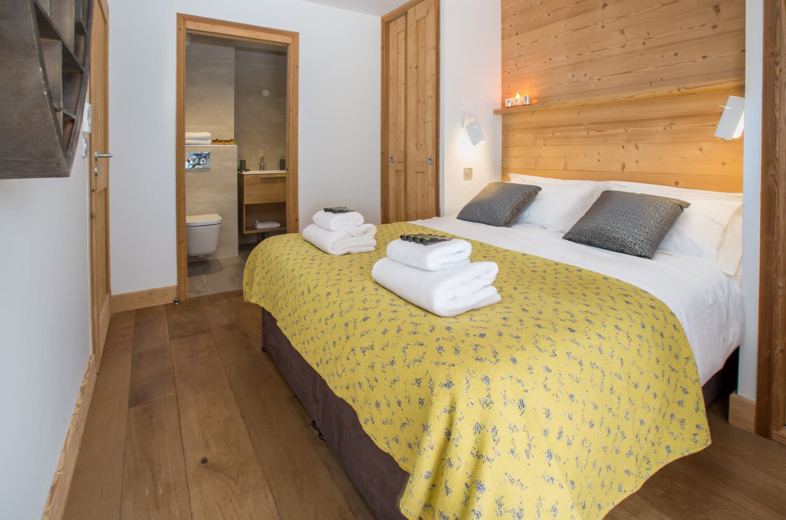 Chalet Joux Plane, Le Lapin Master Bedroom