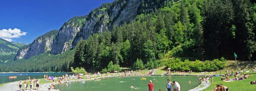 Lac Montriond hike