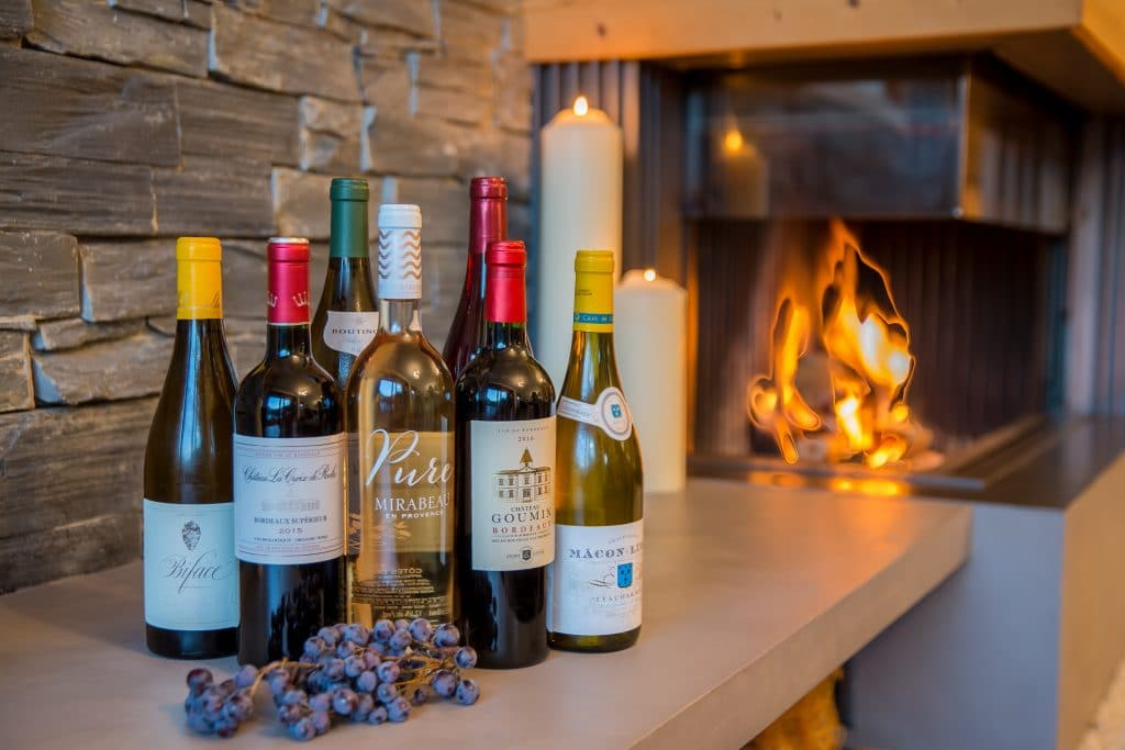 Wine delivery service with white and red wines from ElevationAlps