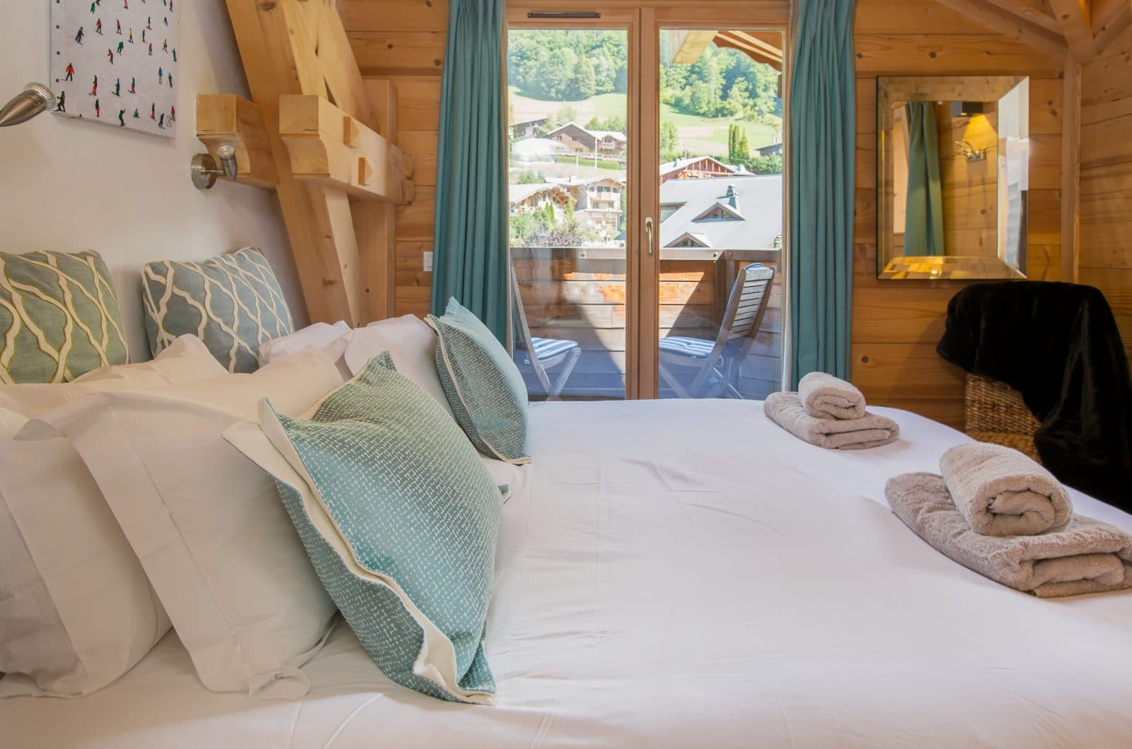 Elevation Alps Chalet La Dranse Bedroom 2