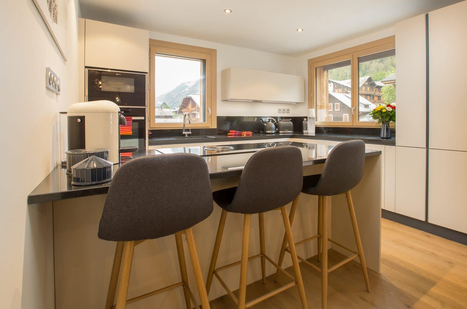 Apartment Asta Kitchen 50m from Pleney Lift Morzine