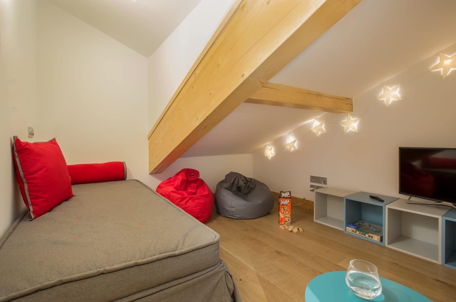 Apartment Asta Snug 50m from Pleney Lift