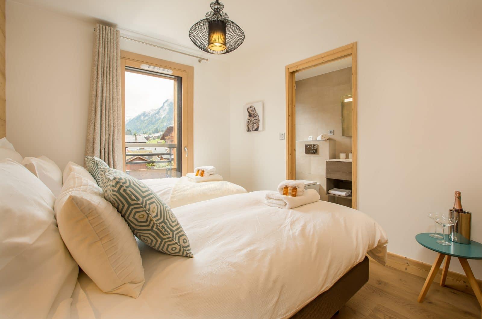 Asta Bedroom 2 & Ensuite 50m from Pleney Lift Morzine