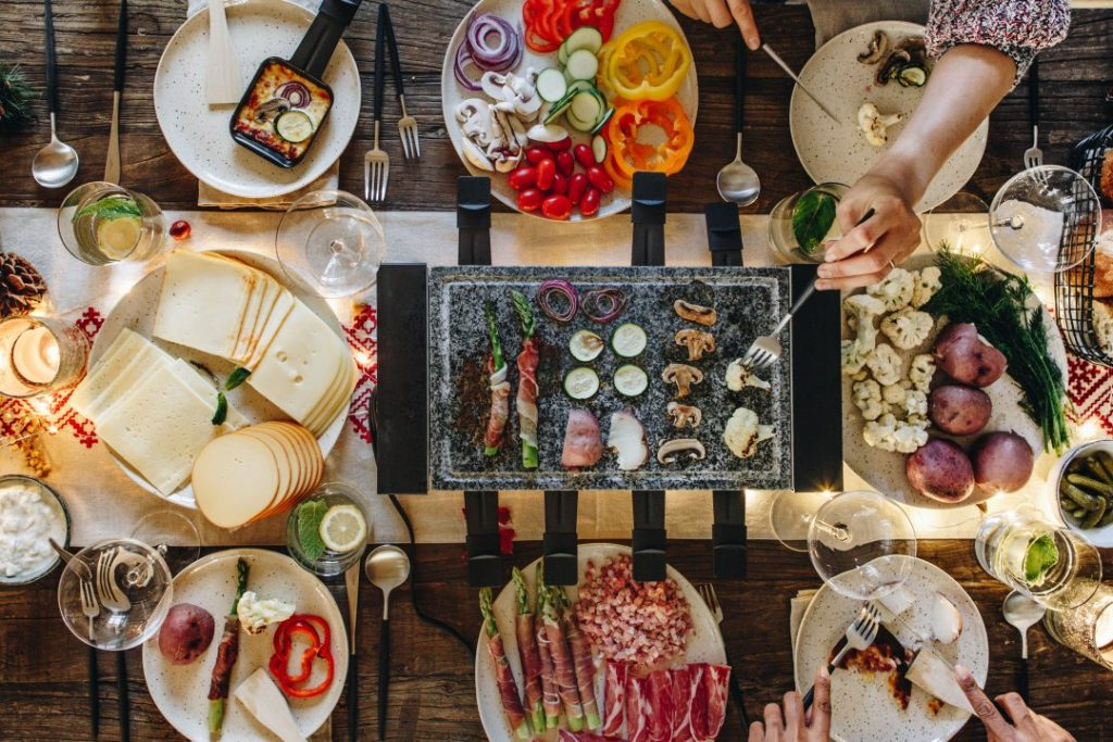 Hire our raclette grill during your stay in Morzine full of food